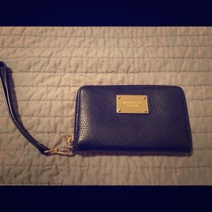 Michael Kors black leather wallet LIKE NEW
